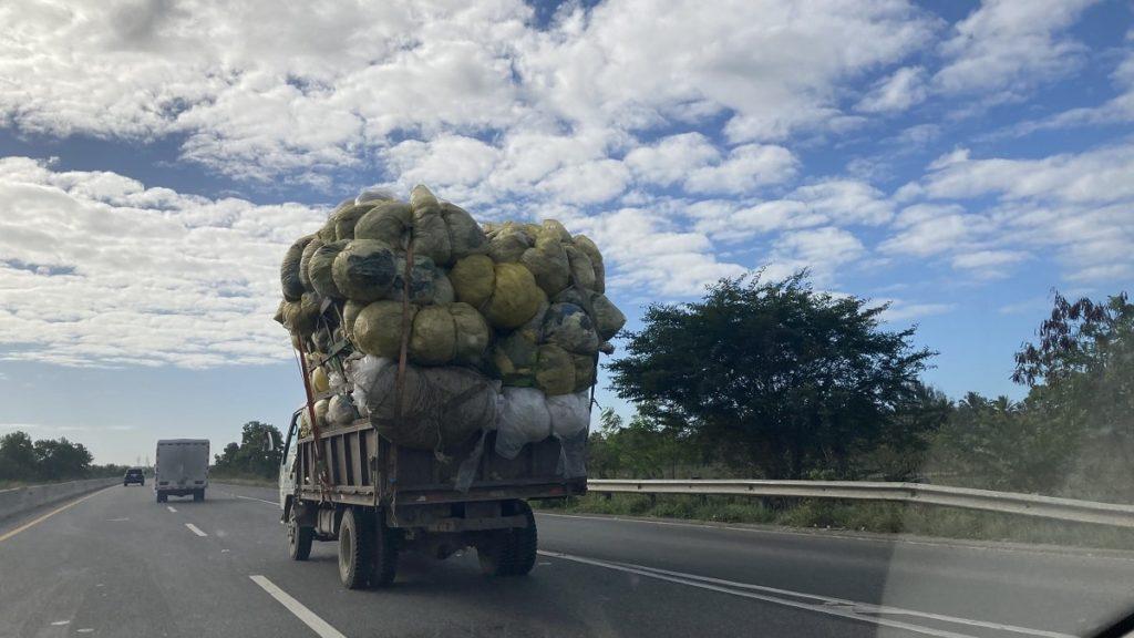авто на дорогах доминиканы