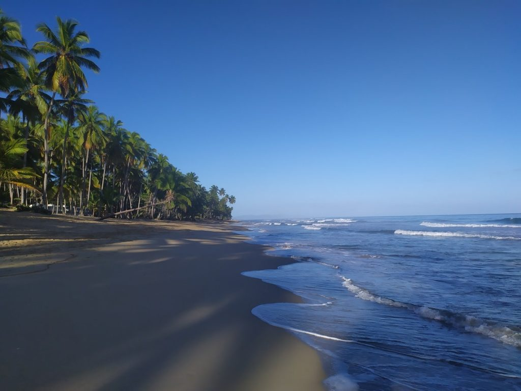 Пляж Косон Атлантический океан Доминикана
