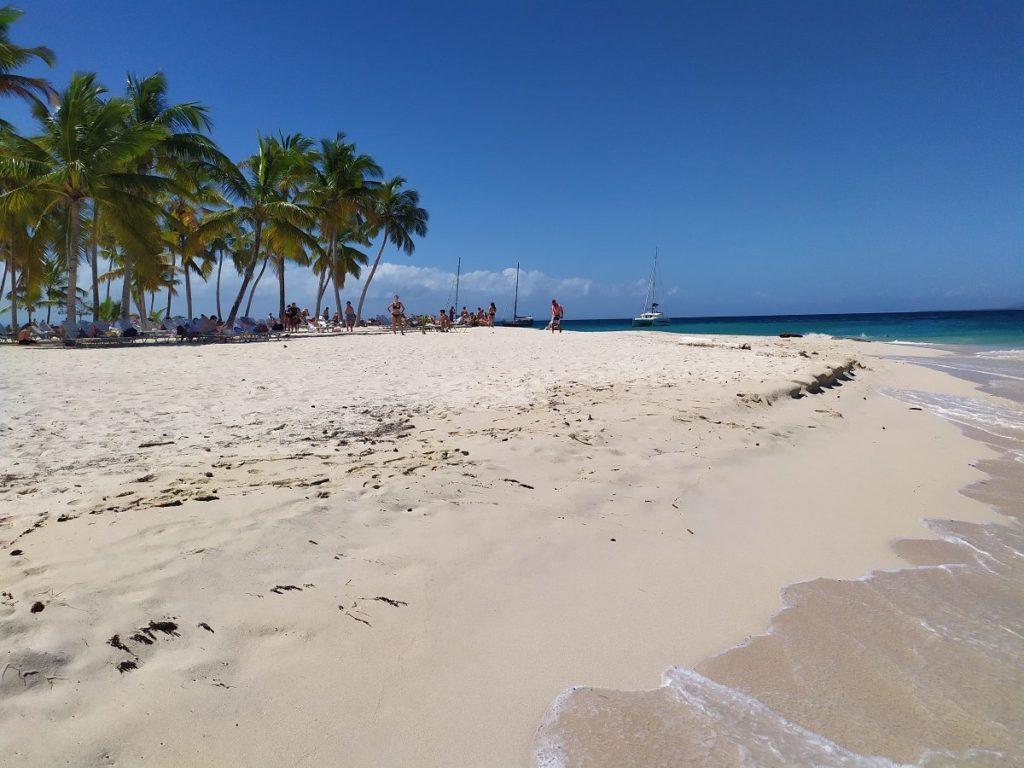 пляж остров бакарди