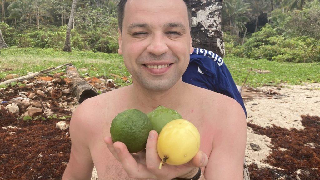фрукты по дороге к пляжам фронтон и мадама