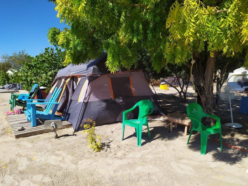 Палатка в глемпинге доминиканы