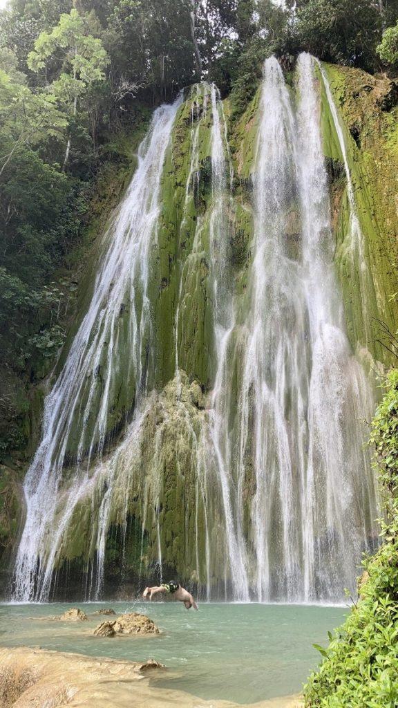водопад в доминикане эль