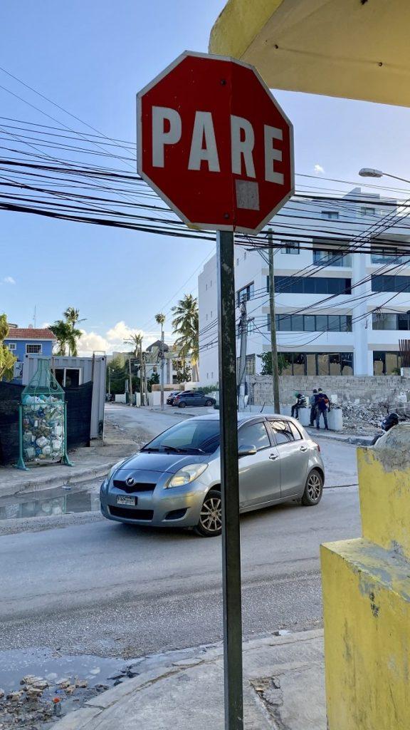 дорожные знаки и правила пдд в доминикане