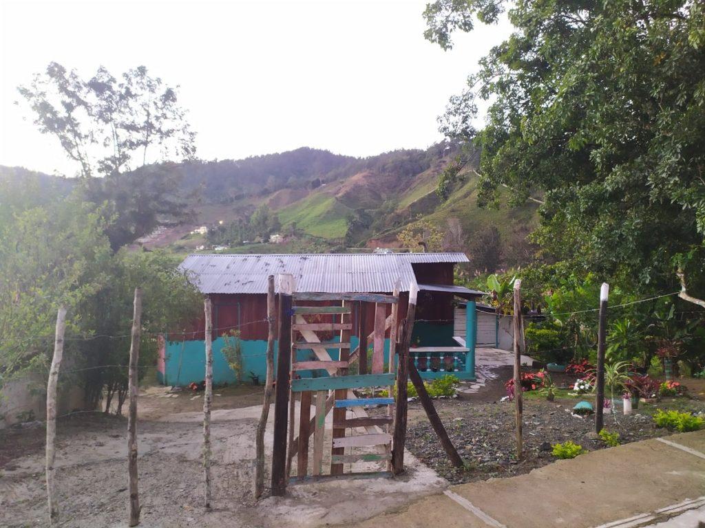 Дом Эдуардо около офиса Армандо Бермудез
