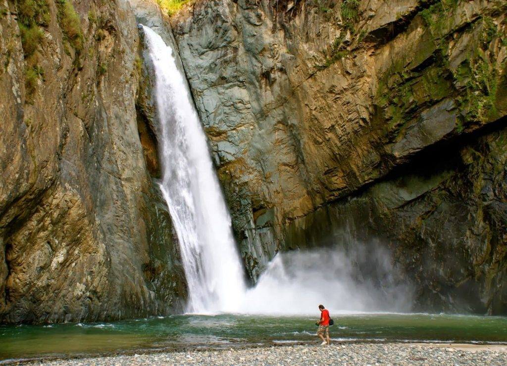 Водопад Джименоа в Доминикане