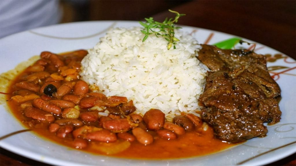 Национальная кухня Доминиканы главное блюдо