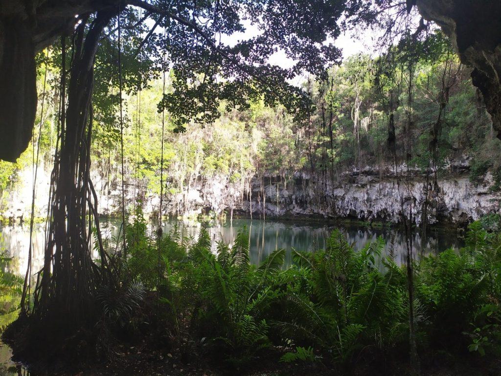 Пещеры Три глаза в Санто-Доминго