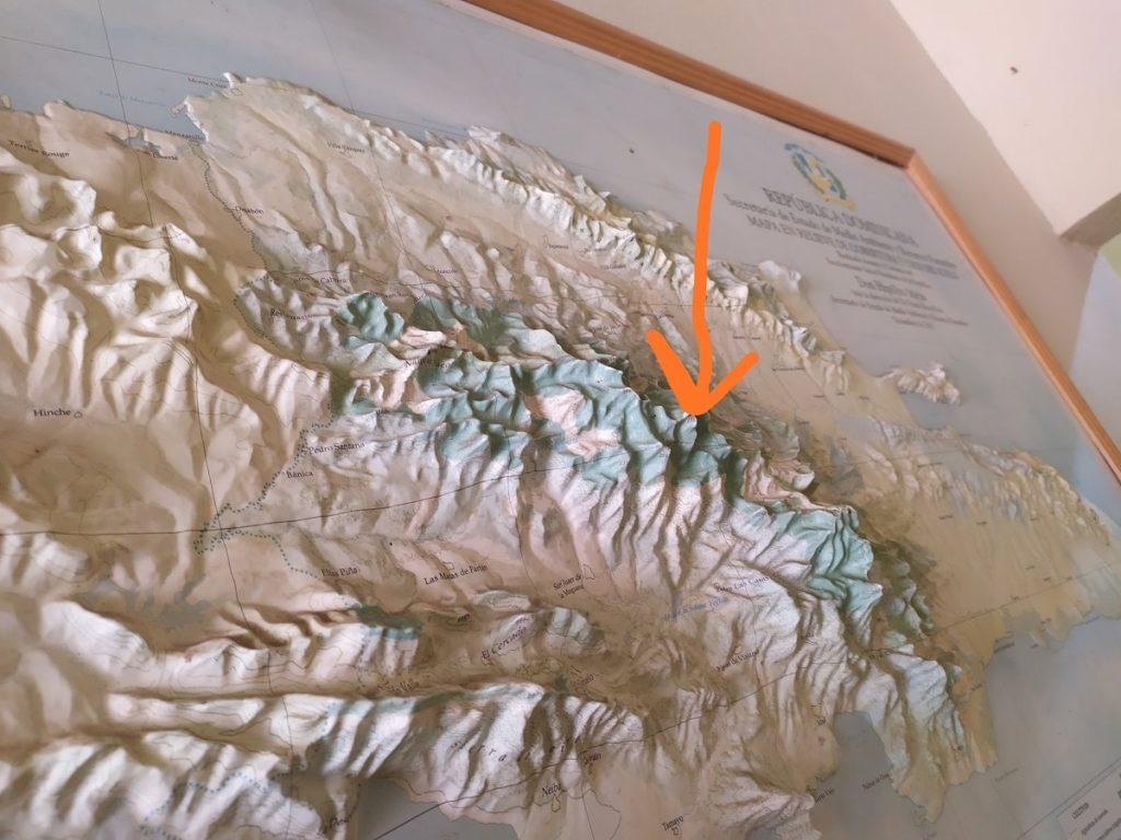 Карта гор центральной Доминиканы