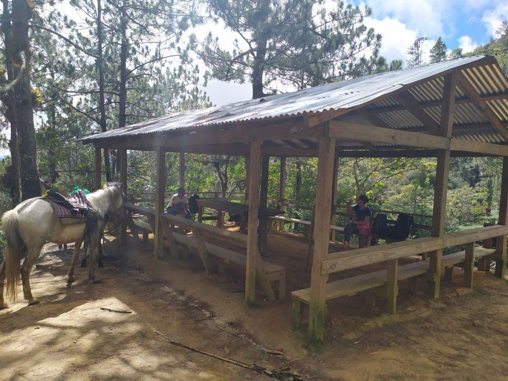 Привалы на маршруте на вершину Доминиканы
