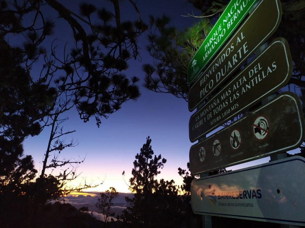 рассвет почти на самой вершине Доминиканы